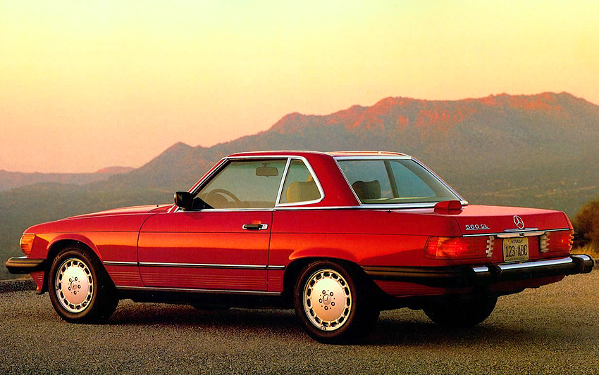 1986 Mercedes 560SL brochure picture.