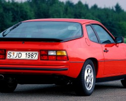 After being absent from the United States market for five model years, the 924 was brought back for the 1987 and 1988 model years.