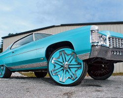 (DONK)  1971 Chevrolet Caprice coupe.