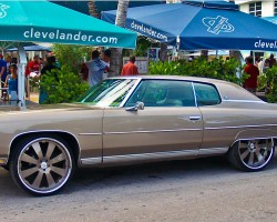 (DONK)  1973 Chevrolet Caprice coupe.