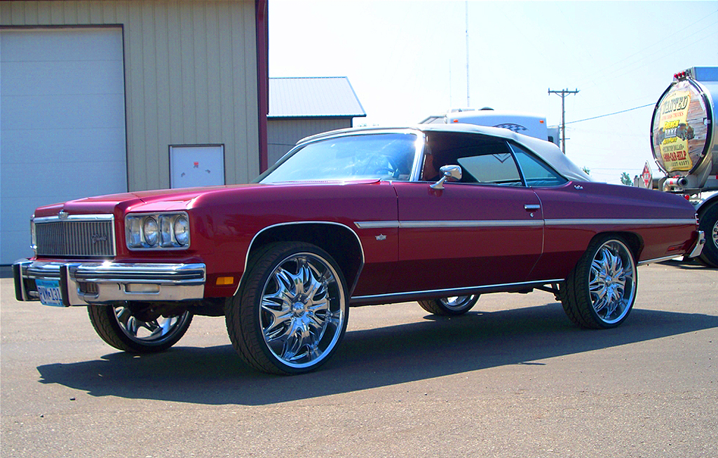 (DONK)  1975 Chevrolet Caprice convertible.