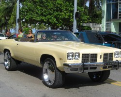 (Alternate DONK)  1975 Oldsmobile Delta 88 convertible