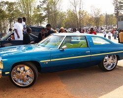 (DONK)  1976 Chevrolet Caprice coupe.