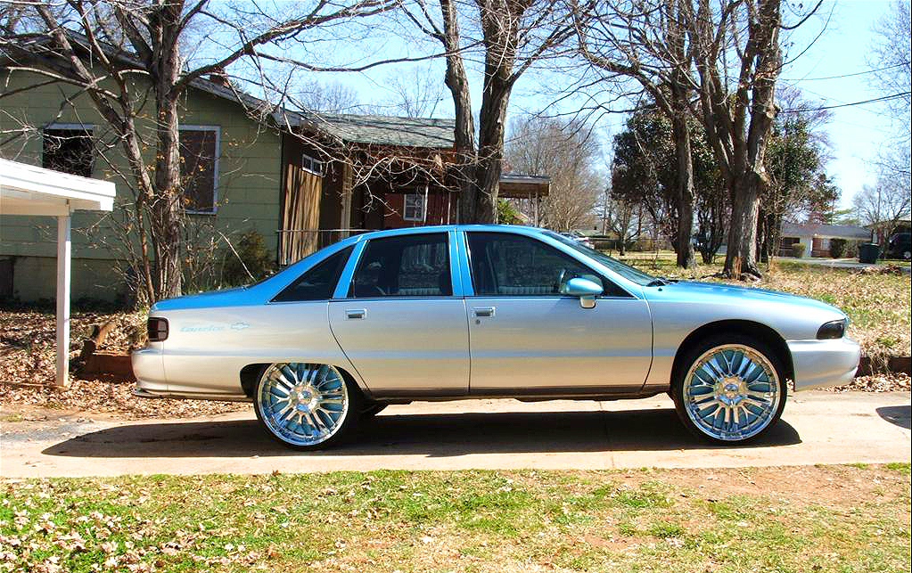 (BUBBLE)  1991 Chevrolet Caprice.