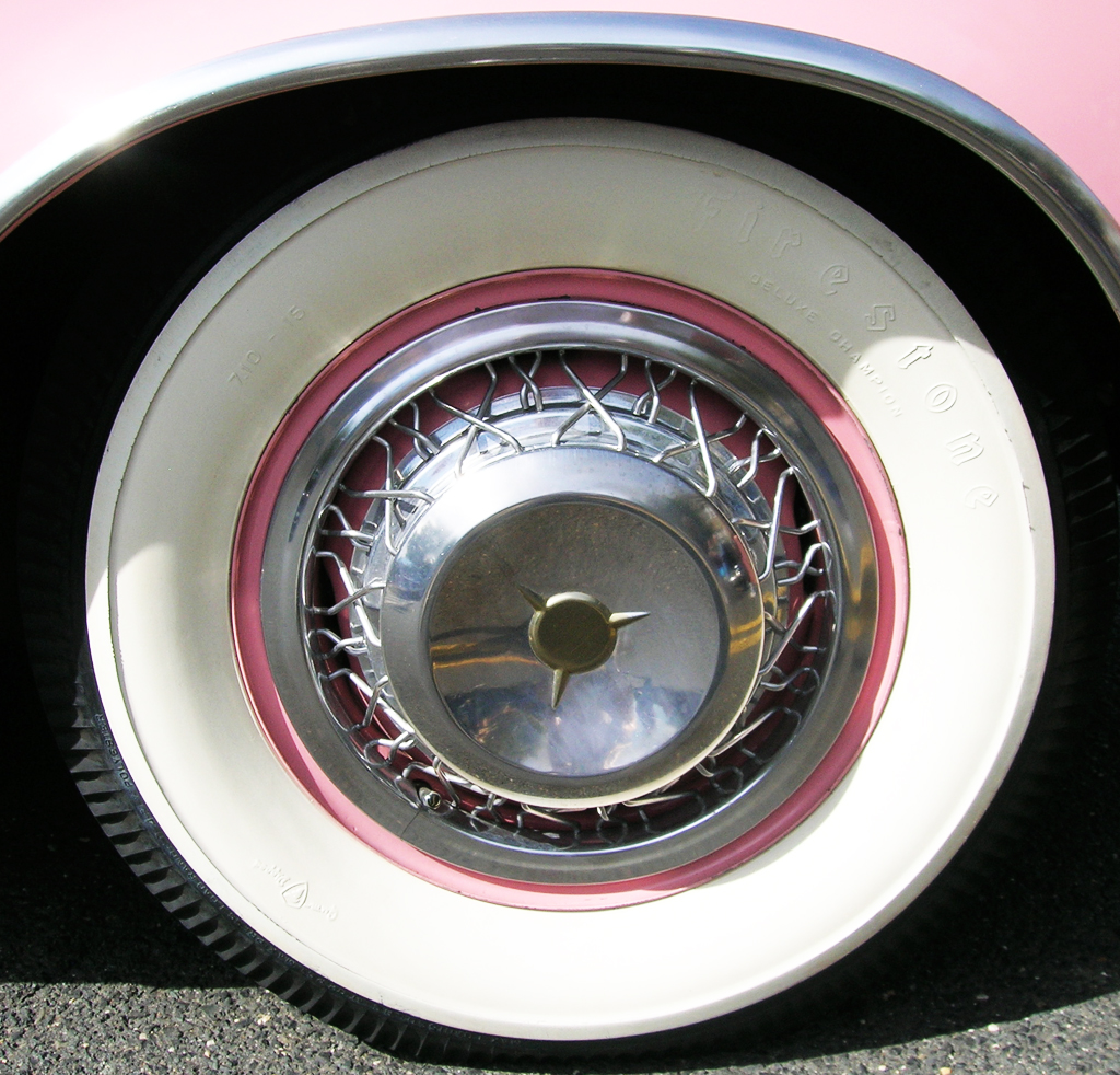 1955 Studebaker wire wheel cover | CLASSIC CARS TODAY ONLINE