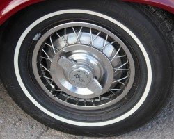 Chevrolet Corvair wire wheel cover