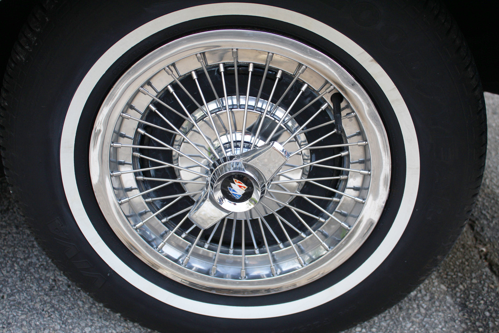 1963 Buick Riviera wire wheel cover