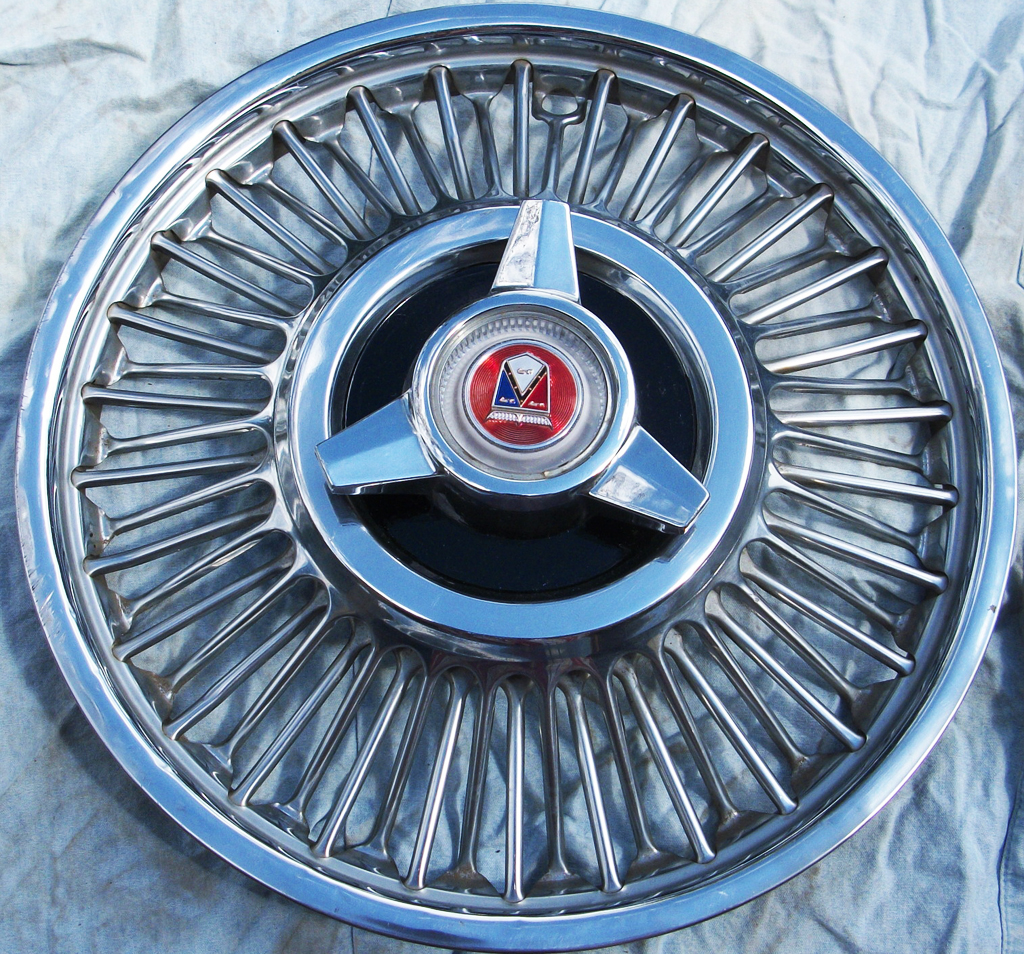 1963 Ford Fairlane wire wheel cover