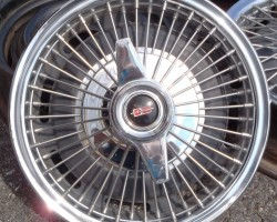 1964 Oldsmobile wire wheel cover