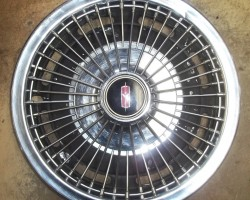 1967 Oldsmobile wire wheel cover