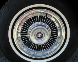 1968 1969 Buick wire wheel cover