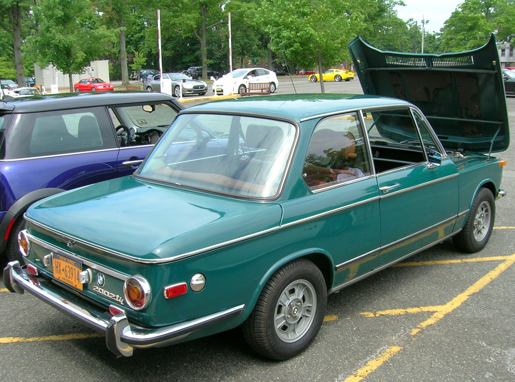 1973 BMW 2002tii cars and croissants