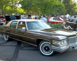 brown 1976 cadillac fleetwood