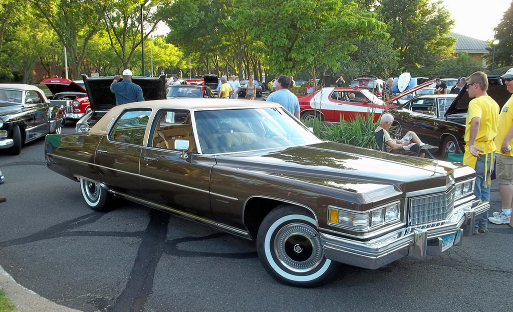 1976 Cadillac Fleetwood | CLASSIC CARS TODAY ONLINE