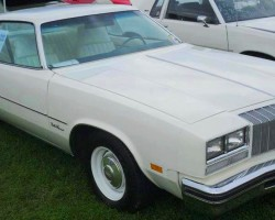1977 Olds Cutlass Supreme 5-speed manual