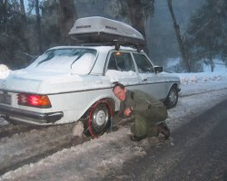 1979 Mercedes 300D winter snow snowchains