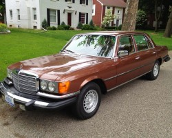 brown 1979 Mercedes 116-body