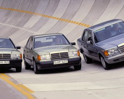 From left to right, this picture shows a 1985 Euro market 190E, 300E (newly introduced), and 126-body S-class.