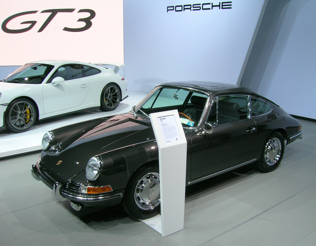 1964 Porsche 911 Owned By Jerry Seinfeld At The 2013 New