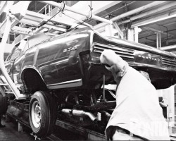 1966 Pontiac GTO assembly line