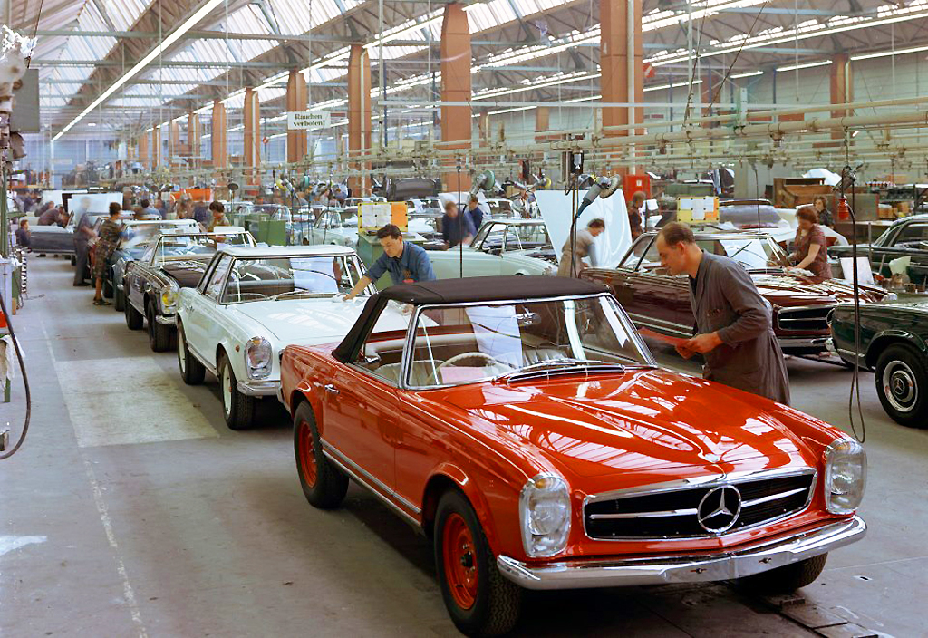 red Mercedes 250SL 230SL 280SL