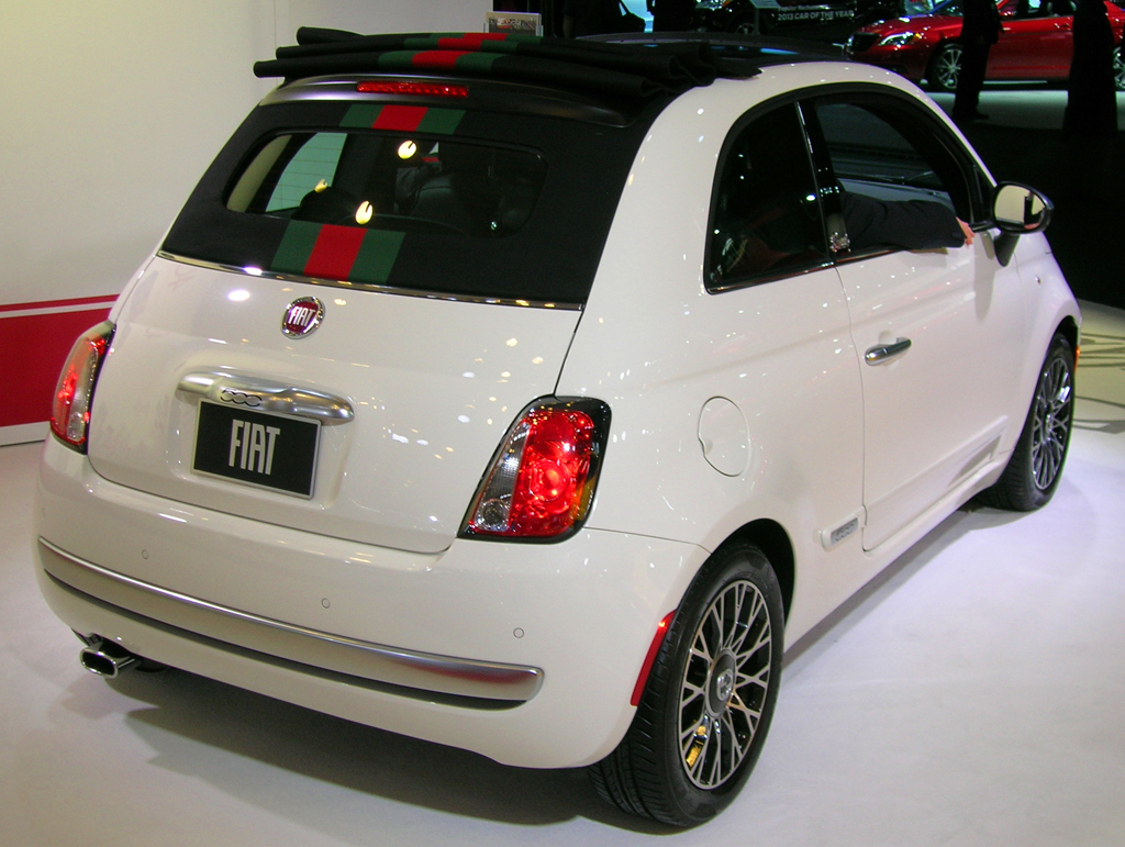 2013 fiat 500 gucci edition at the 2013 new york auto show. Black Bedroom Furniture Sets. Home Design Ideas