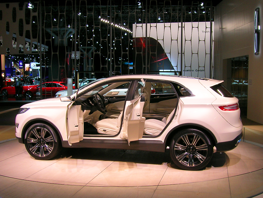 lincoln mkc concept suv at the 2013 new york auto show classic cars today online. Black Bedroom Furniture Sets. Home Design Ideas