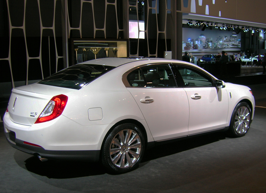 2013 lincoln mks at the 2013 new york auto show classic cars today online. Black Bedroom Furniture Sets. Home Design Ideas