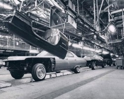 1971 Cadillac assembly line