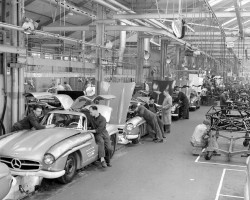 Mercedes 300SL assembly line
