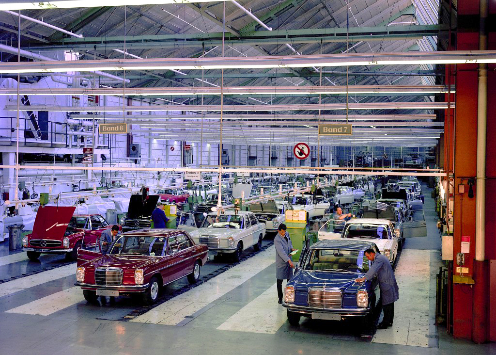Mercedes assembly line 1968