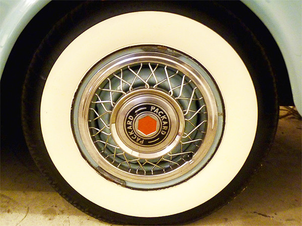 1953 Packard wire wheel cover