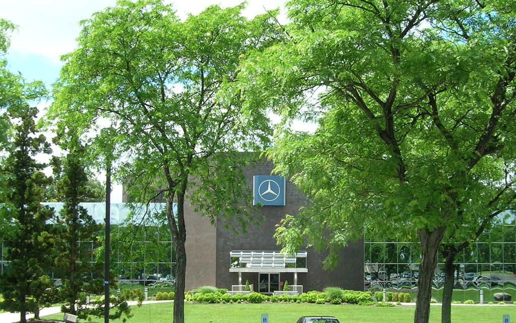 Mercedes benz usa headquarters in montvale nj classic for Mercedes benz corporate office