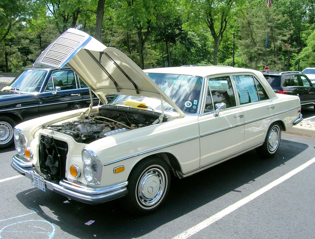 1970 Mercedes 280SE at the 2013 June Jamboree in Montvale, NJ