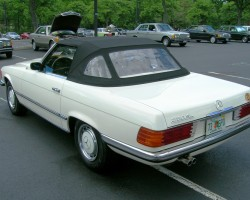 white 1973 Mercedes 107 body