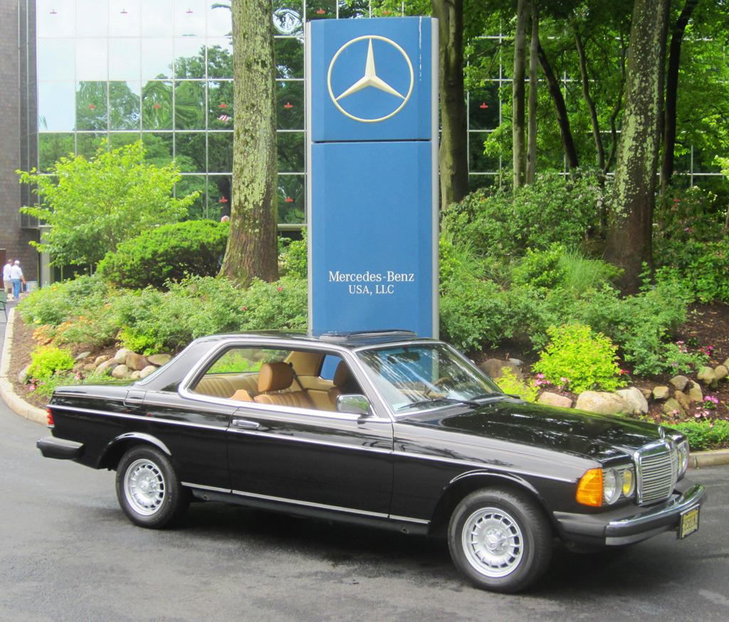 black 1985 Mercedes 300CD