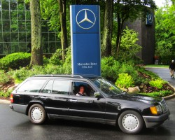 black 1988 mercedes 300TE