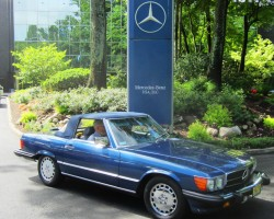 blue 1989 Mercedes 560SL