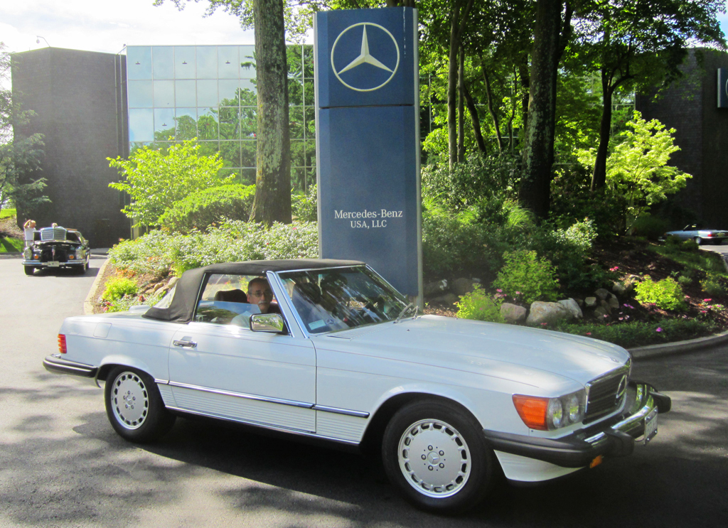 1989 Mercedes 560SL at the 2013 Mercedes June Jamboree car show