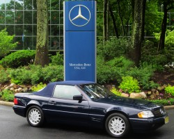 navy blue 1997 Mercedes SL500