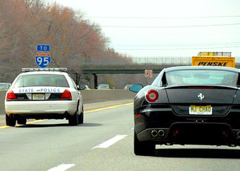 new jersey state trooper on new jersey turnpike