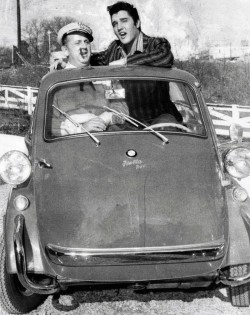 Elvis BMW Isetta