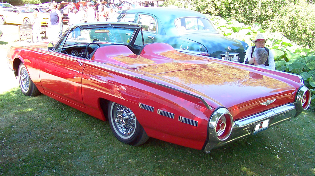 Elvis 1962 Ford Thunderbird
