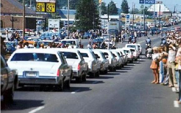 Funeral procession for Elvis - August 18, 1977