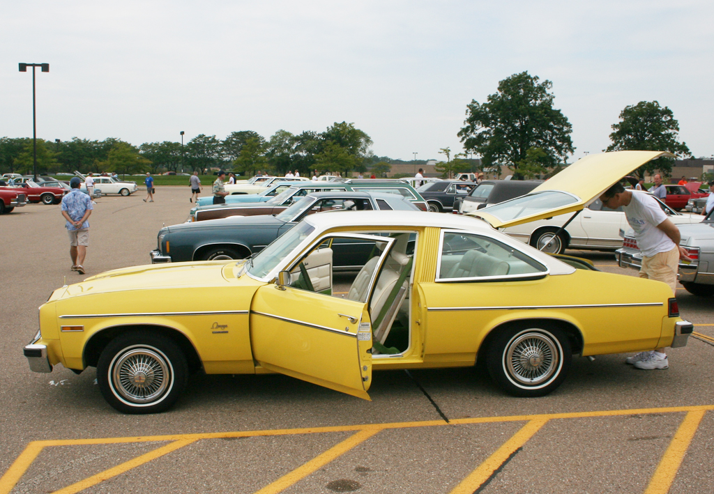 1976 Oldsmobile Omega With Wire Wheel Covers