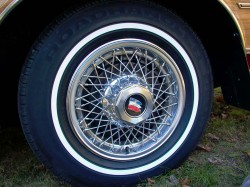 Buick wire wheel cover
