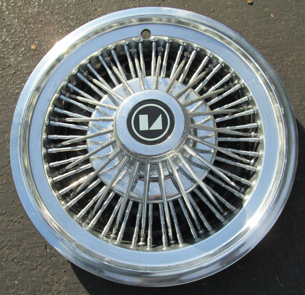 1979 AMC wire wheel cover