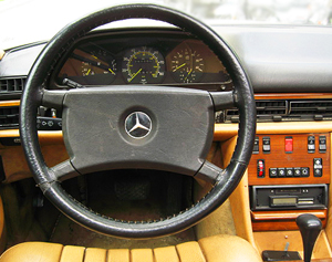 1983 Mercedes S-class steering wheel