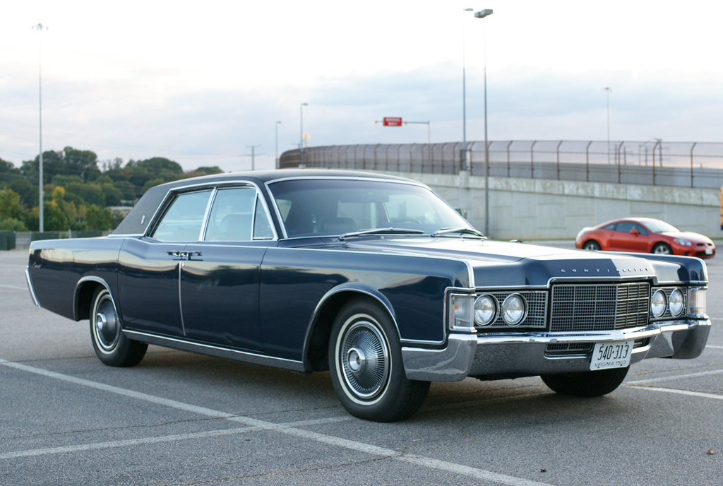 1969 lincoln continental right front view classic cars. Black Bedroom Furniture Sets. Home Design Ideas