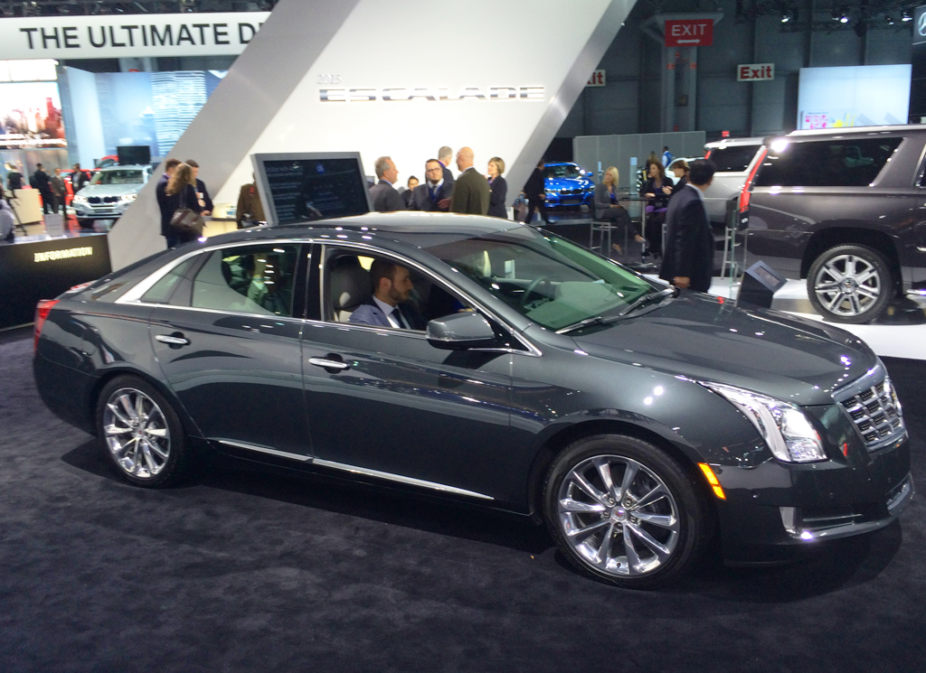 2014 cadillac xts at the 2014 new york auto show classic cars today online. Black Bedroom Furniture Sets. Home Design Ideas